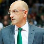 Il coach della Sidigas Frank Vitucci, sicuramente non soddisfatto della prestazione dei suoi