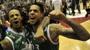Lo scorso Giugno al Forum, Moss ed Hackett festeggiavano lo scudetto con Siena