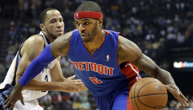 Josh Smith liberato dai Detroit Pistons.