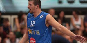 Mirza Teletovic è,per la terza volta in tre partite, l'assoluto protagonista del match