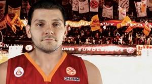 Micov giocherà la sua prossima stagione con la maglia del Galatasaray di Pietro Aradori.