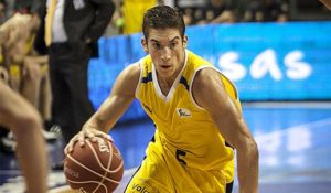 Nicolas Richotti leader dell'Iberostar con 33 punti e un fantastico 8/11 da tre.