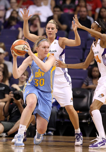 Carolyn Swords, qui in maglia dei Chicago Sky, è stata top scorer del match