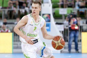 Klemen Prepelic, autore di 16 punti, trascina la Slovenia al successo sull'Olanda (snipview.com).