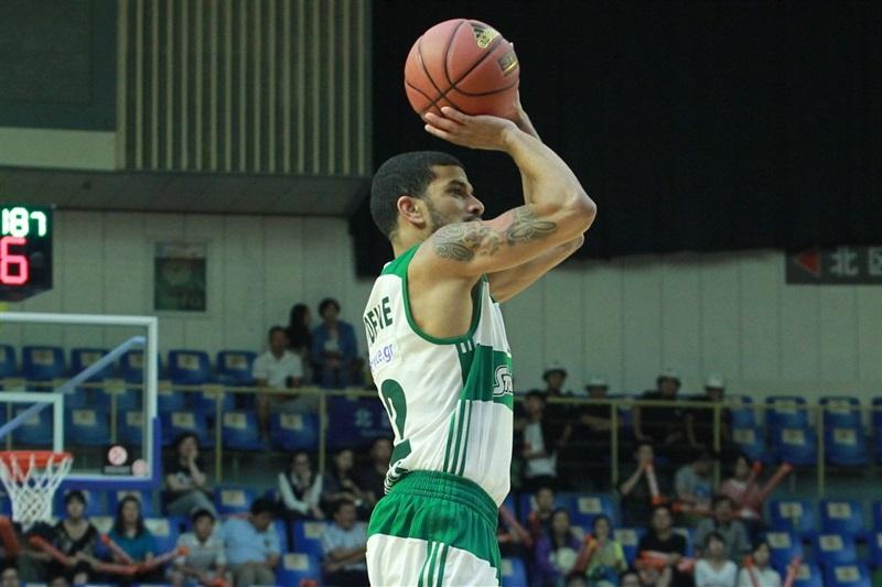 James Feldeine, autore di 16 punti. è tra i protagonisti della vittoria el Panathinaikos (www.slamnroll.com).