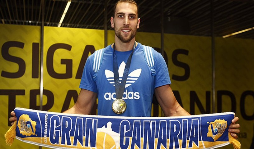 Pablo Aguilar, passato in estate dal Valencia a Gran Canaria, fa pagare proprio la sua ex-squadra.