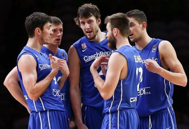 Jan-Vesely-Tomas-Satoransky-and-Czech-Republic-Eurobasket-2015-1024x699