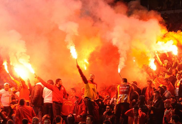 aptopix_portugal_soccer_champions_league_xpd105-2012dec05_204859_779-ay_99229387