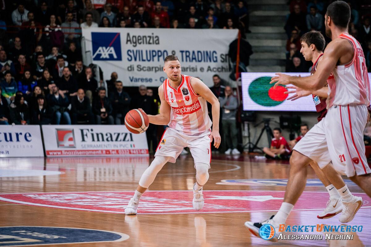 Ingus Jakovics conduce il gioco
