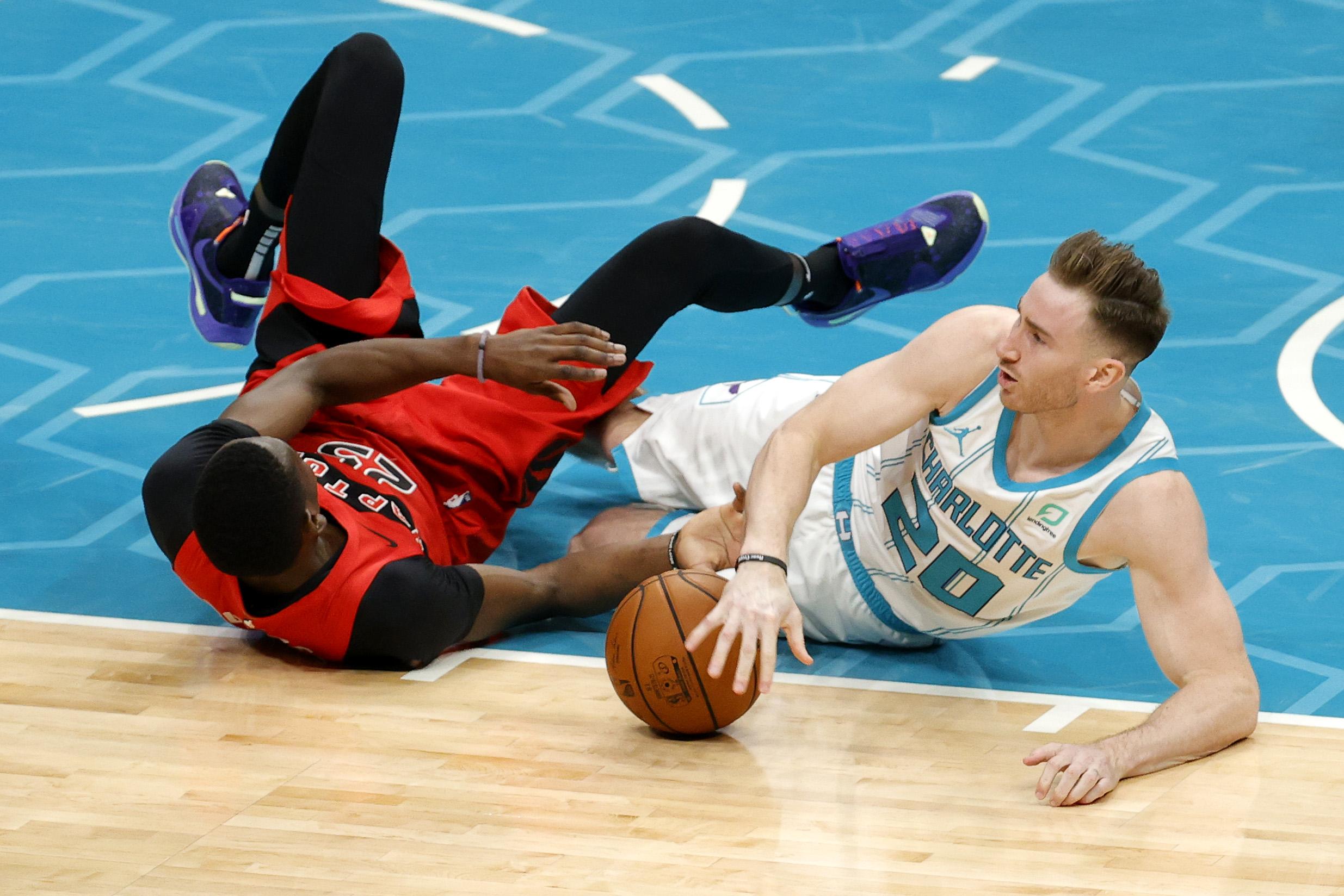 Hayward dovrà salterà circa un mese di regular season NBA a causa di un infortunio.