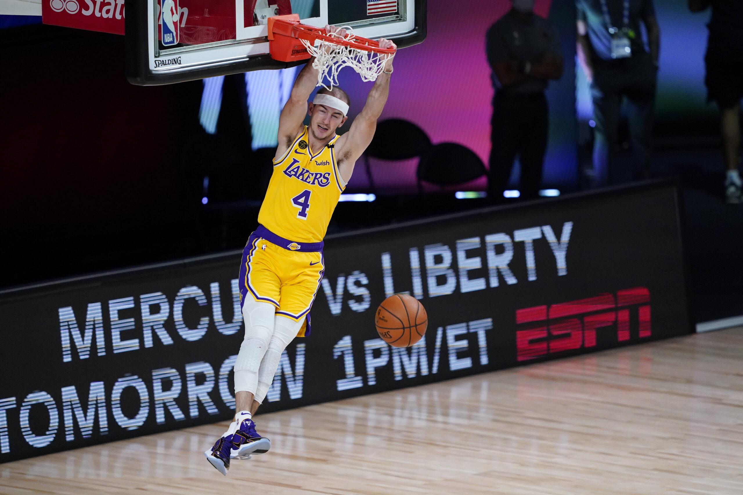 Alex Caruso ha emulato il proprio compagno di squadra, il fenomeno NBA LeBron James