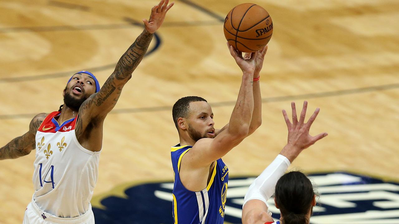 NBA Steph Curry 300 triple