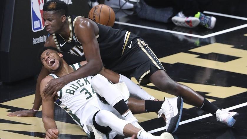 NBA giannis Antetokounmpo infortunio ginocchio