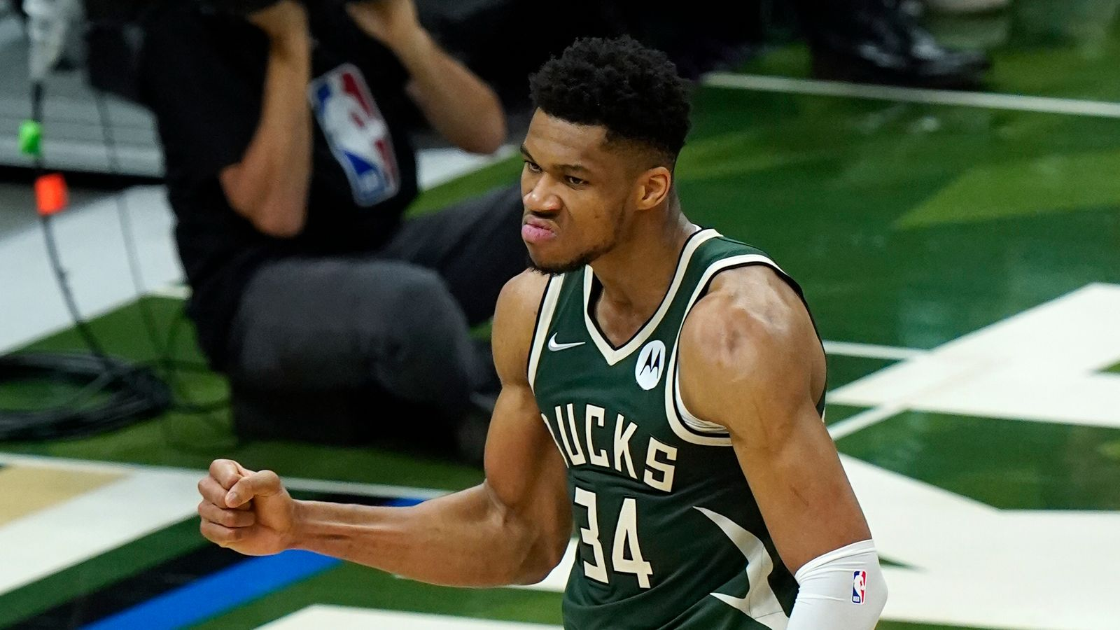 NBA Antetokounmpo Suns